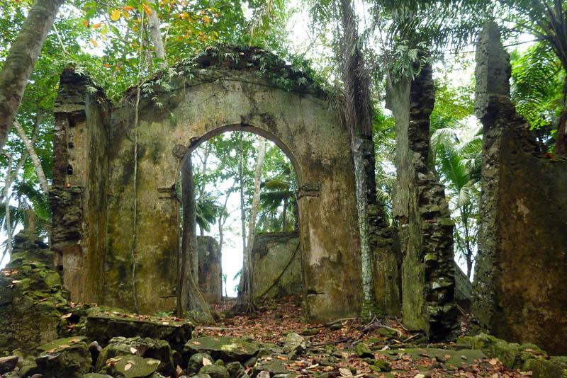 Randonnée à la découverte de la première capitale de l'île de Principe, Ribeira Izé et de Maria Correia, figure de l'histoire de l'archipel