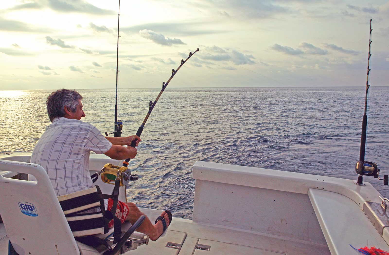 Pêche sportive en bateau dans les eaux de Principe, espadon bleu, pèlerin, barracuda, wahoo et daurades